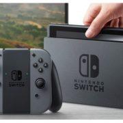 Nintendo ha svelato prezzi e data di arrivo della sua prima console ibrida sul mercato italiano: il 3 marzo ad un costo di 329 euro.