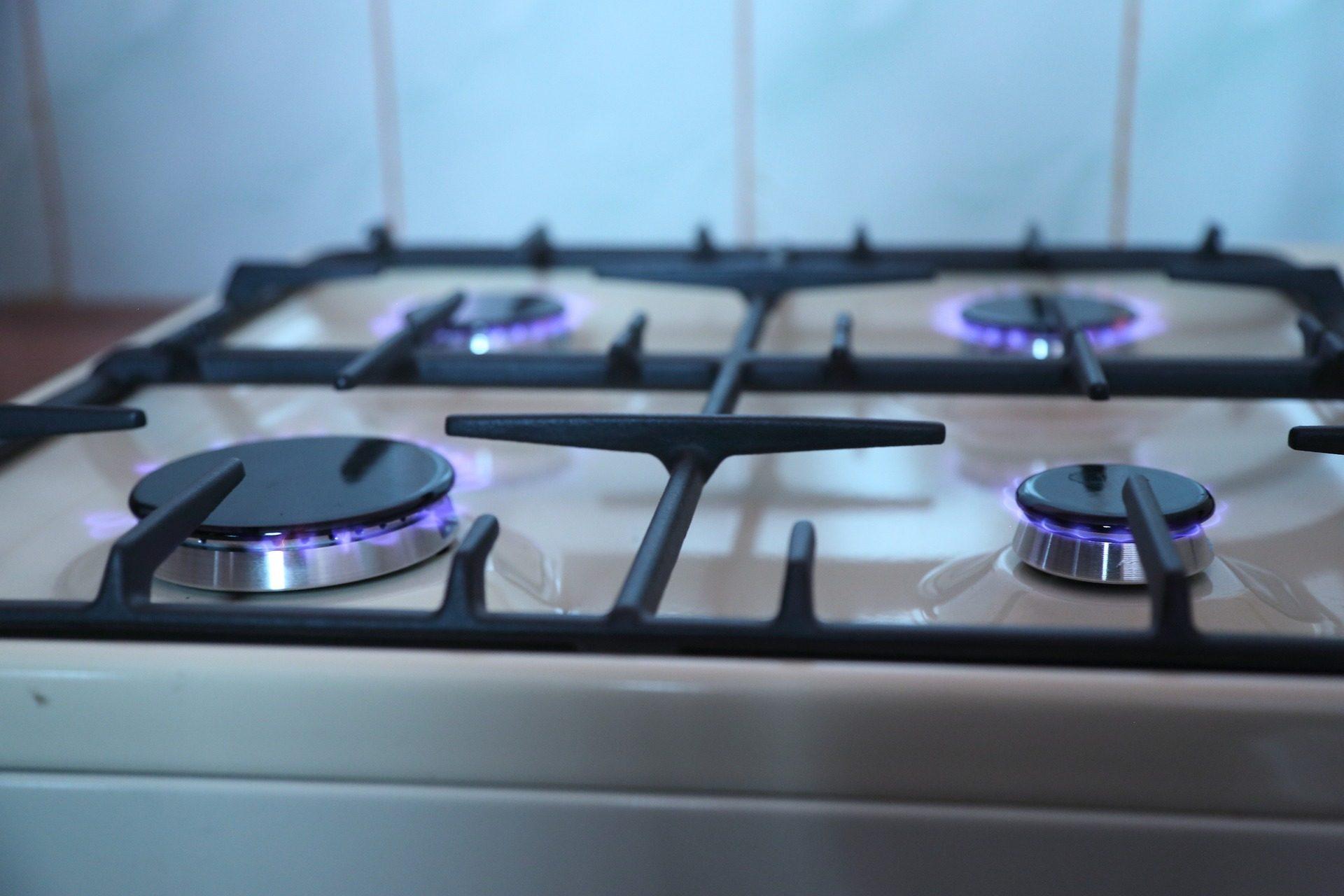 Piano Cottura Induzione O Gas piani cottura: come scegliere quello giusto?